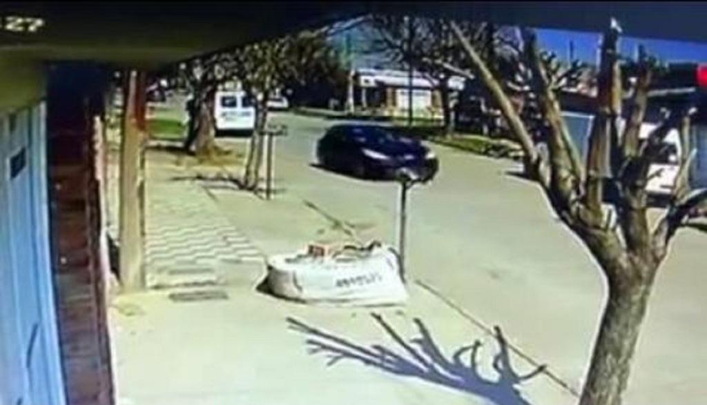 Una cámara registró el momento del ataque