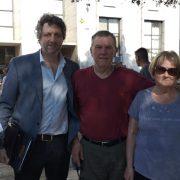 Alberto Perassi y Alicia Ostri junto a sus abogados en el último día de audiencias